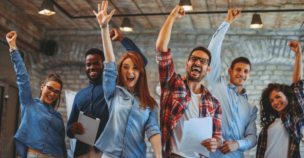 młode osoby na rynku pracy